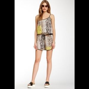 Vince Camuto Romper new without tag